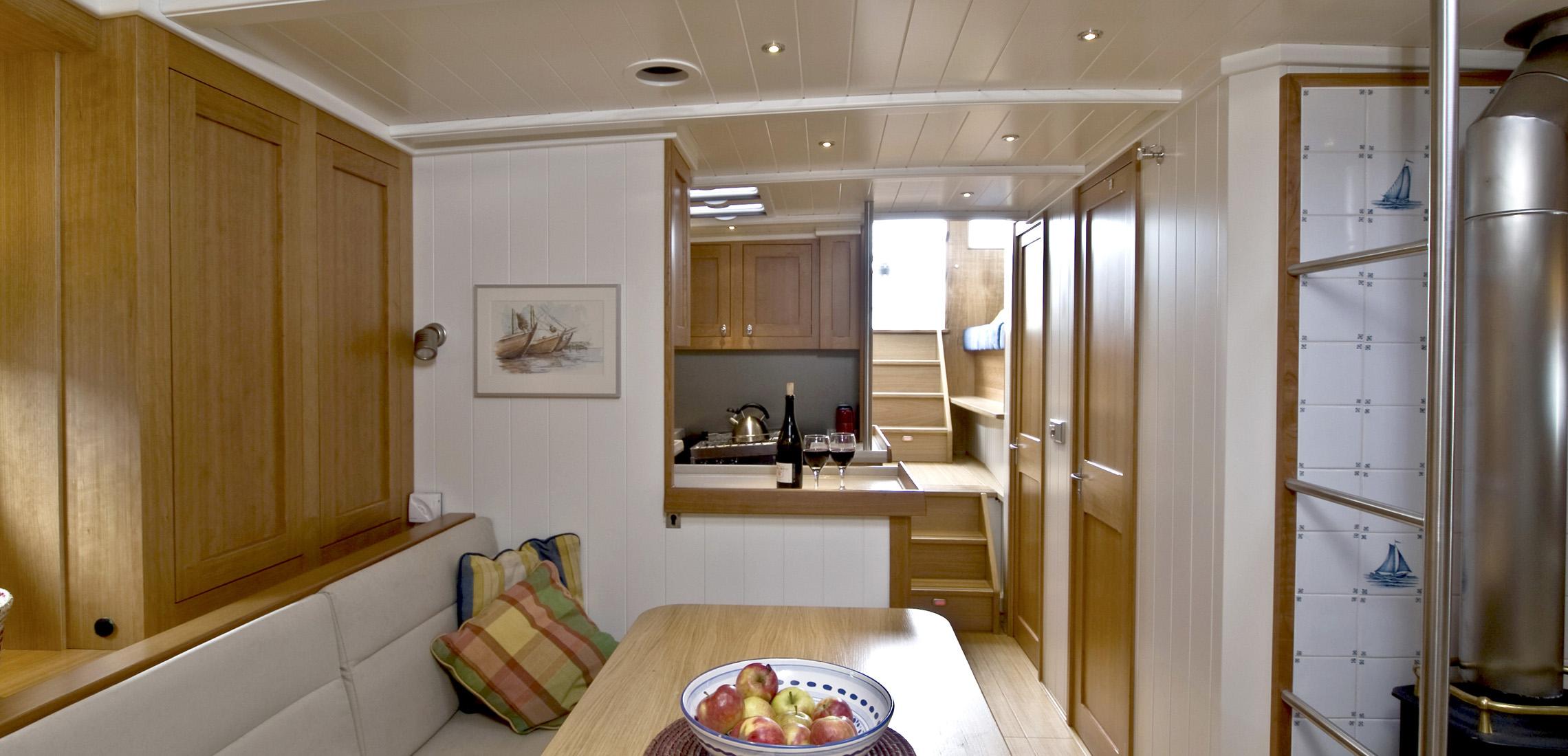 [Imagen: riu-orig_albatros-interior-salon-1-2280x...138467.jpg]