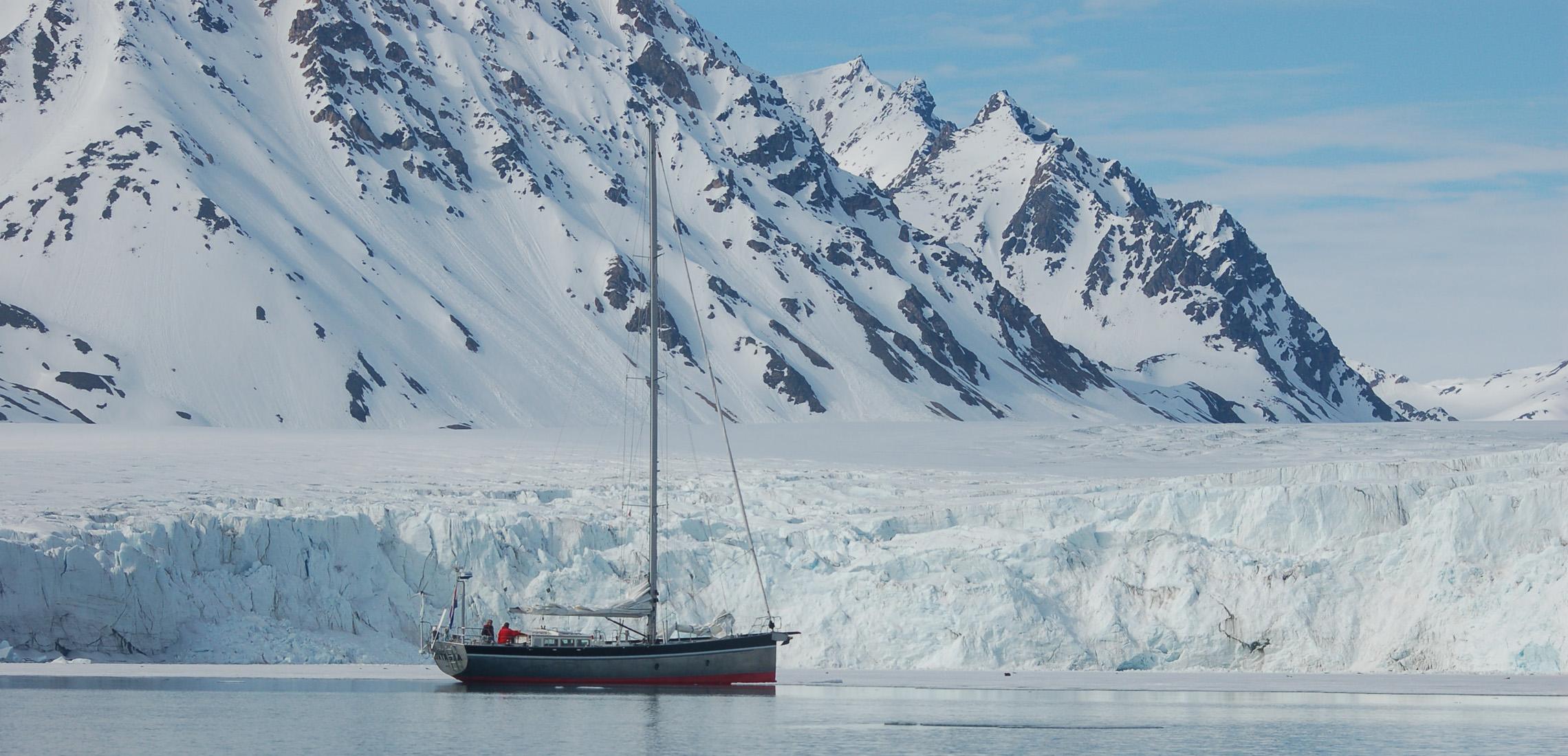 [Imagen: riu-orig_albatros-spitsbergen-side-ful-2...138336.jpg]